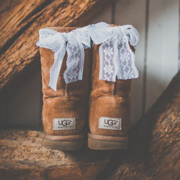 idées chaussures mariage hiver ugg avec noeud
